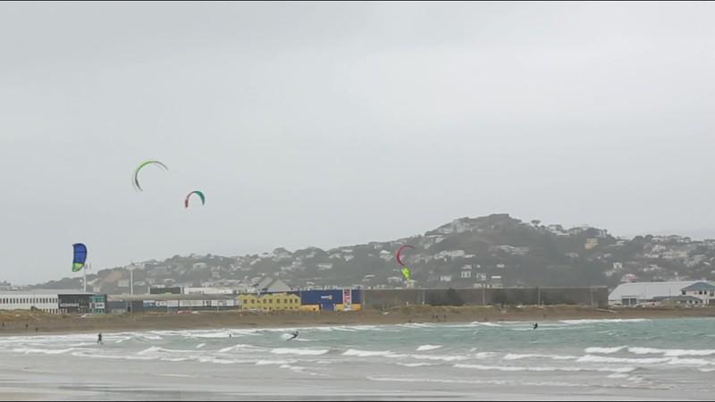 VIDEO  of kiteboarders in Lyall Bay, Wellington, New Zealand