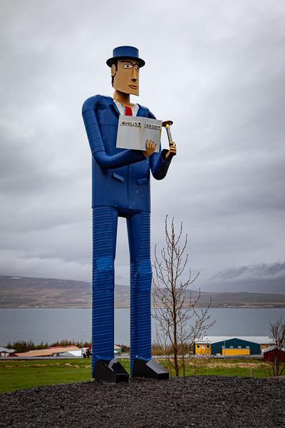Huglist 2.5.2009 Statue