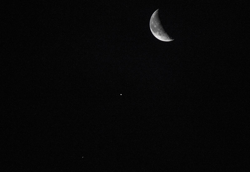 Prairie Creek Recreation Area: The Moon, Jupiter, and Spica in alignment.