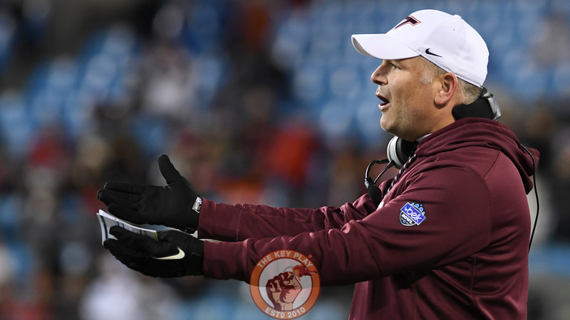 Virginia Tech head coach Justin Fuente reacts to a referee's decision in the fourth quarter. (Michael Shroyer/ TheKeyPlay.com)