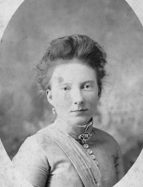 Clara Ringer-Lowden age 16. Taken in Glasgow Kentucky about 1880.