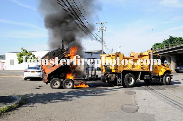 HICKSVILLE FD HOT BOX FIRE 7-13-18