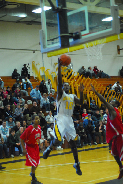 20090301_MCC Basketball_5699.JPG