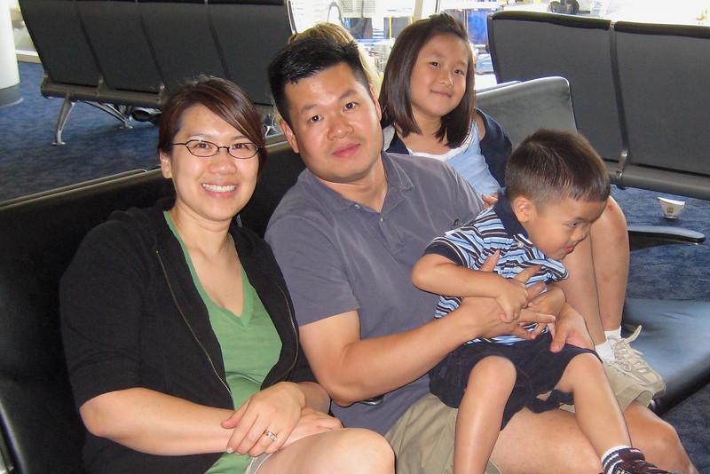 20090607_parents-pics_001-a.jpg