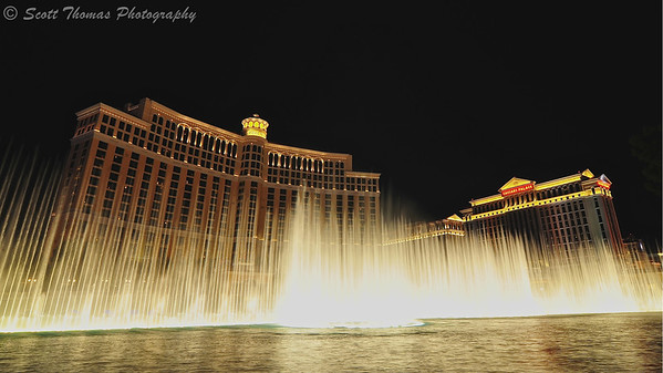 Fountains of Bellagio show in front of the Bellagio Casino in Las Vegas, Nevada.