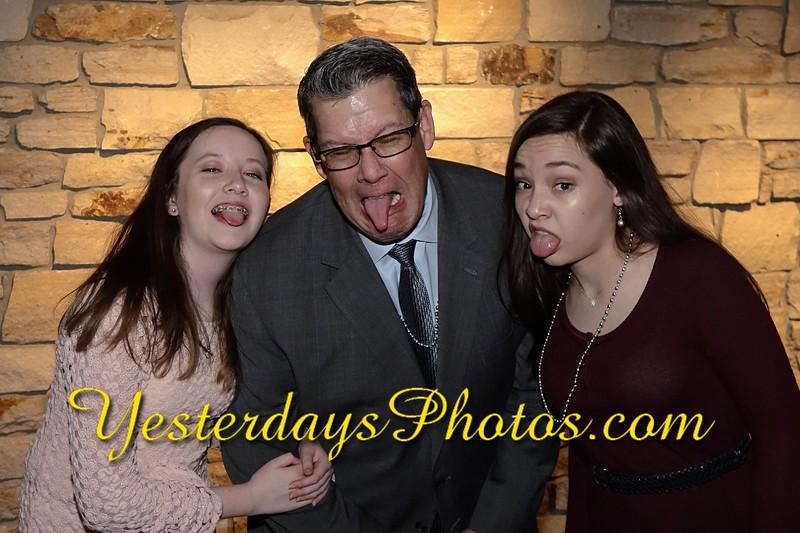 YesterdaysPhotos.com-R2018_070.jpg