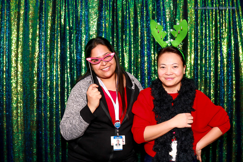 Medtronic Holiday Party -21.jpg