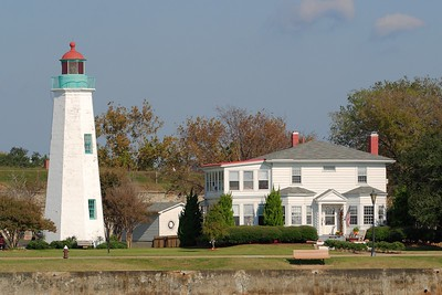 Old Point Comfort Lighthouse and Fort Monroe, Hampton, VA. © 2005 Kenneth R. Sheide