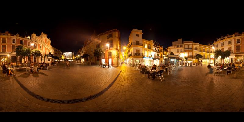 sevilla plaza nighttime.jpg