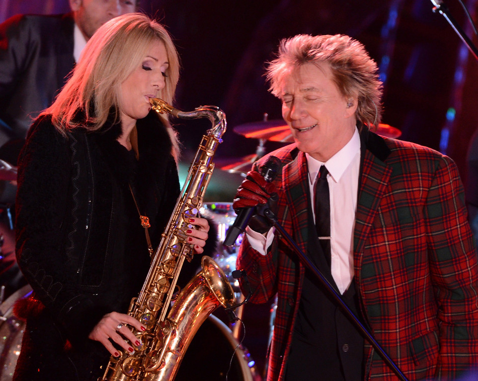 . Singer Rod Stewart performs at the 80th Annual Rockefeller Center Christmas Tree Lighting Ceremony on November 28, 2012 in New York City.  (Photo by Stephen Lovekin/Getty Images)