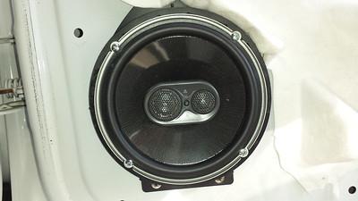 2008 Chevrolet Suburban LS Rear Speaker Installation - USA