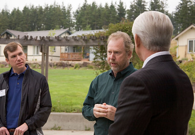 Congressman Reichert Visits Habitat EKC on Thrivent Builds Day!
