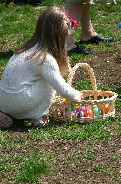 06.04.15 Easter Egg Hunt066.JPG