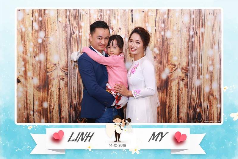 Linh-My-wedding-instant-print-photo-booth-in-Ha-Noi-Chup-anh-in-hnh-lay-ngay-Tiec-cuoi-tai-Ha-noi-WefieBox-photobooth-hanoi-110.jpg