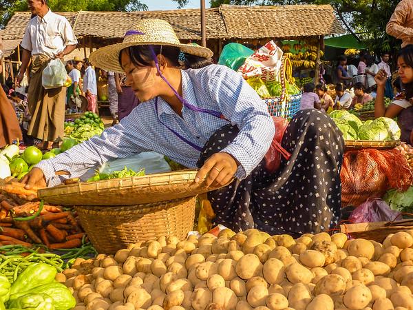 Nyaung U Market, Bagan