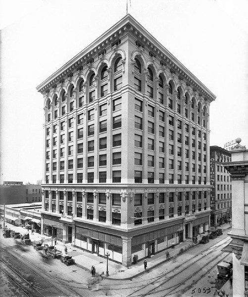 Central Building on the corner of Sixth Street and Main Street, Los Angeles, ca.1912