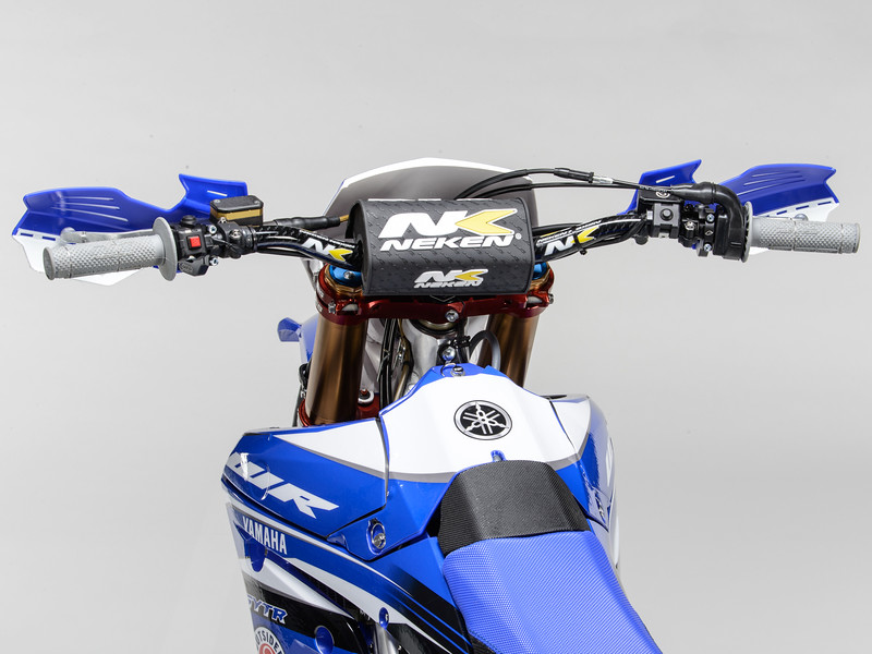 2017_YR_OUTS_detail_WR450F_LARRIEU_011.jpg