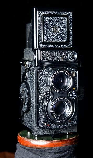 Yashica Mat 124 G ~ 1965