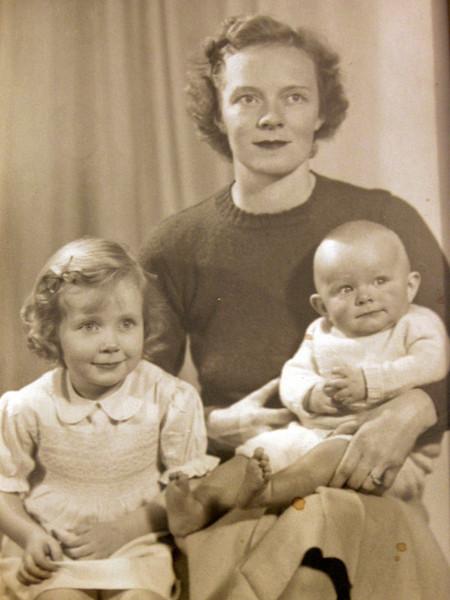Taflyn (1940-), Barbara (1911-2007), Julian Sale (1943-)