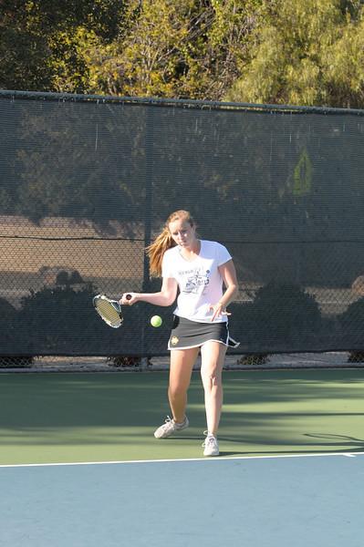 Menlo Girls Tennis 2012 13.jpg