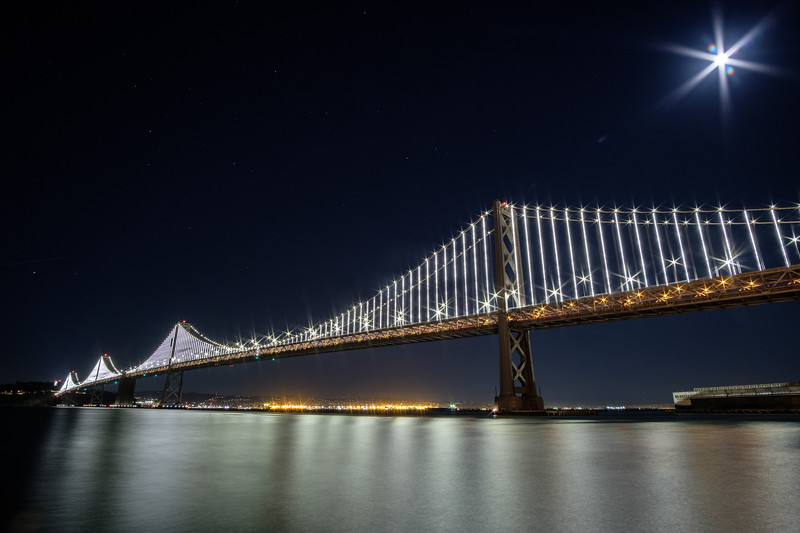 20171004-moon-and-stars-over-the-bay-bridge-230938773.jpg