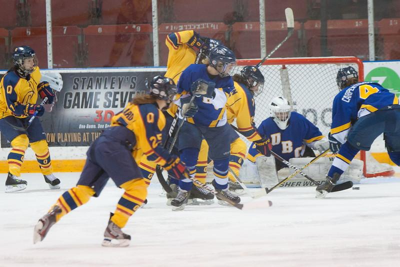 20130310 QWHockeyvsUBC 168.jpg