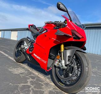 Ducati Panigale V4 R (DLV) on IMA