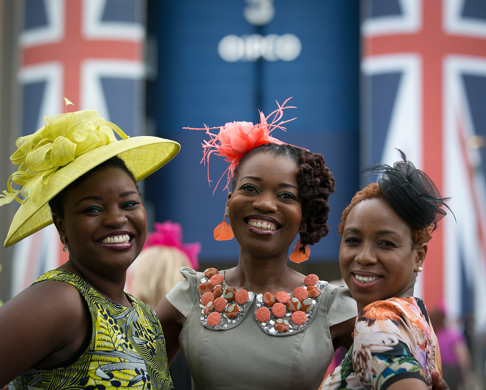 . Racegoers arrive on June 19, 2014 in London, England. The Royal Ascot horse race meeting runs from June 17 2014, until June 21 2014, and has taken place since 1711.  (Photo by Matt Cardy/Getty Images)