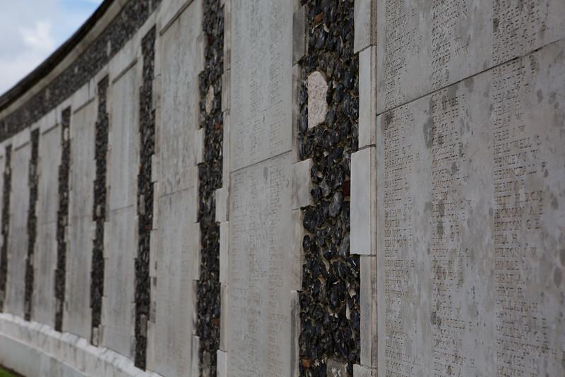 Ypres Tyne Cot Cemetery (31 of 123).jpg