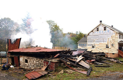 BLYTHE TOWNSHIP HOUSE FIRE 10-18-2010 PICTURES BY TAMAQUA-AREA-PHOTOS