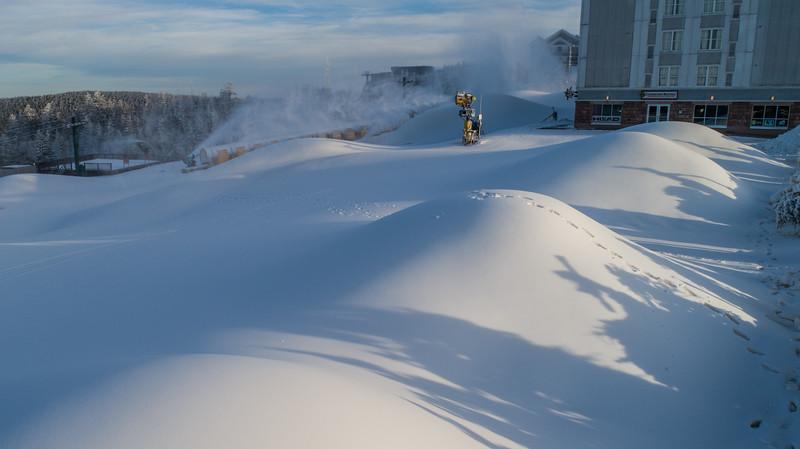 Snowmaking 1920-0012.jpg