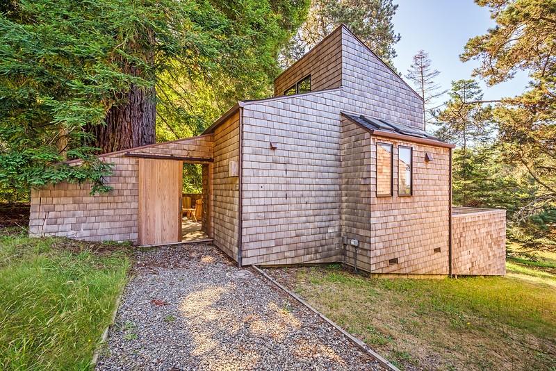 Classic William Turnbull Post & Beam Cluster Home