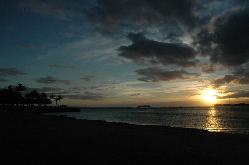 Hawaii - Ala Moana Beach Sunset-22.JPG