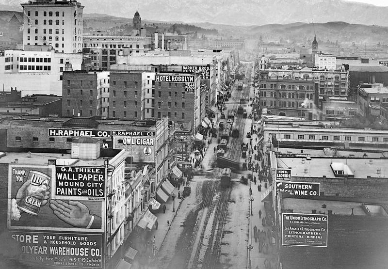 1907, H. Raphael Co. Sign