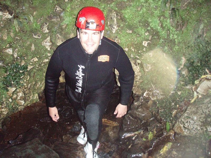 black-water-rafting_1814793337_o.jpg