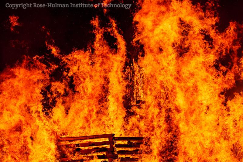 RHIT_Homecoming_2019_Bonfire-7406.jpg
