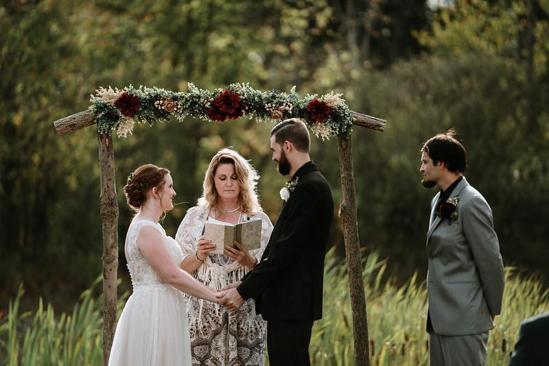 rustic_ohio__fall_barn_wedding-214.jpg