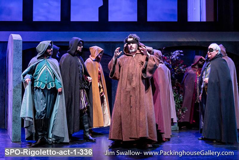 SPO-Rigoletto-act-1-336.jpg
