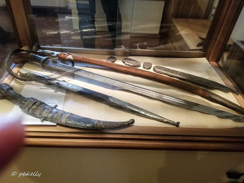 knife museum 092619-2.jpg