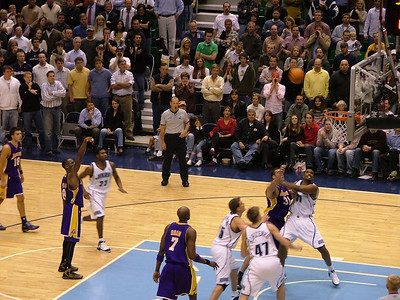 Lakers vs Jazz Dec 1 2005