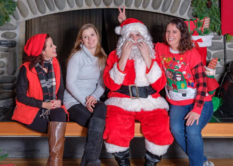 CB Santa 2019-7725.jpg