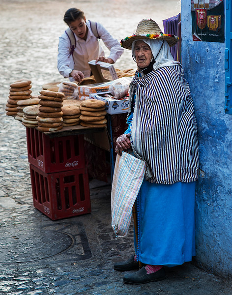 A Berber woman from the Riff mountains in the town of Chefchaouen.   Chefchaouen, Morocco, 2018.