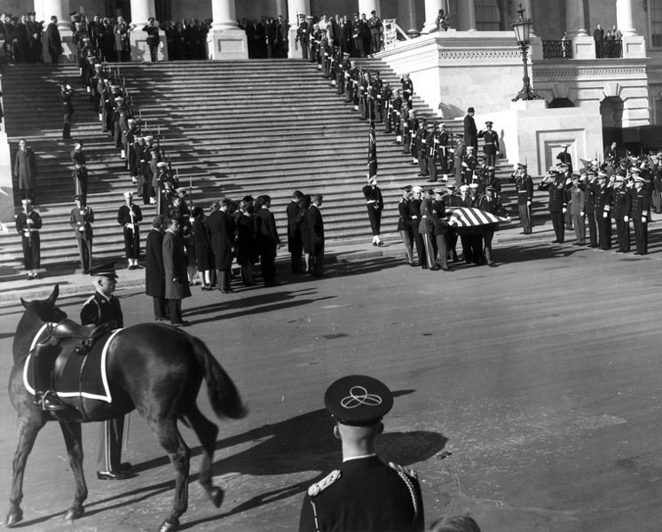 . A file picture dated 25 November 1963 shows The remains of the late US President John F. Kennedy leaving the United States Capitol, in Washington, DC, USA. 22 November 2013 marks the 50th anniversary of John F. Kennedy assassination on 22 November 1963 at Dealey Plaza in Dallas, Texas, USA. Lee Harvey Oswald was accused of the shooting and was later killed himself on 24 November 1963 by a gunshot by Jack Ruby.  EPA/David S. Schwartz / US ARMY HANDOUT