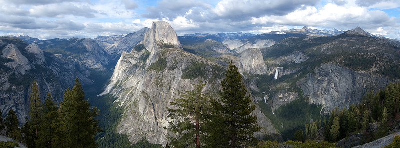 The dramatic view of Yosemite Valley from Glacier Point in Yosemite National Park.