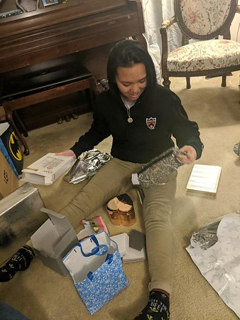 2019-12-16 Anjelle opening gifts