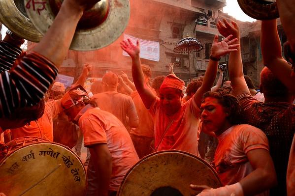6th day: Sindur Jatra in Thimi, dance of Mahakali & Mahalaxmi