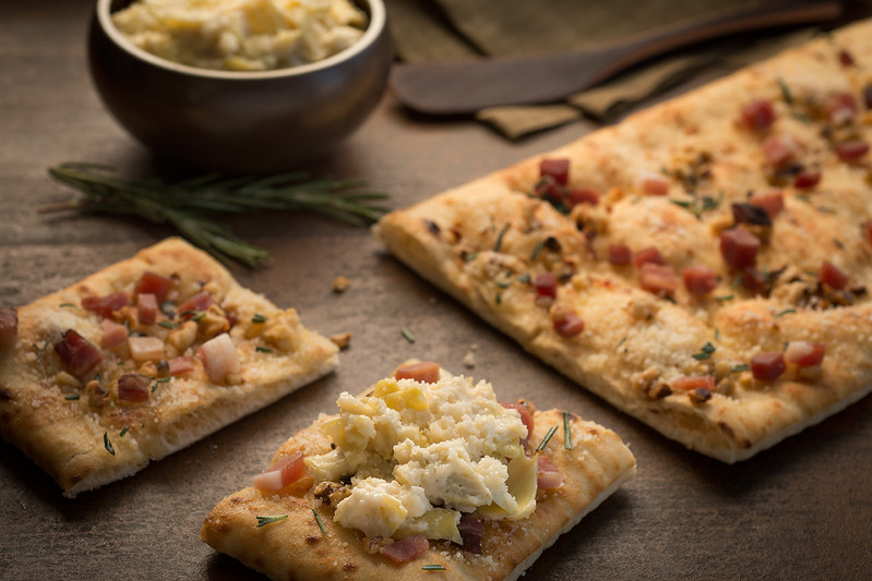 Flatbread_With_Walnuts_and_Speck_046.jpg