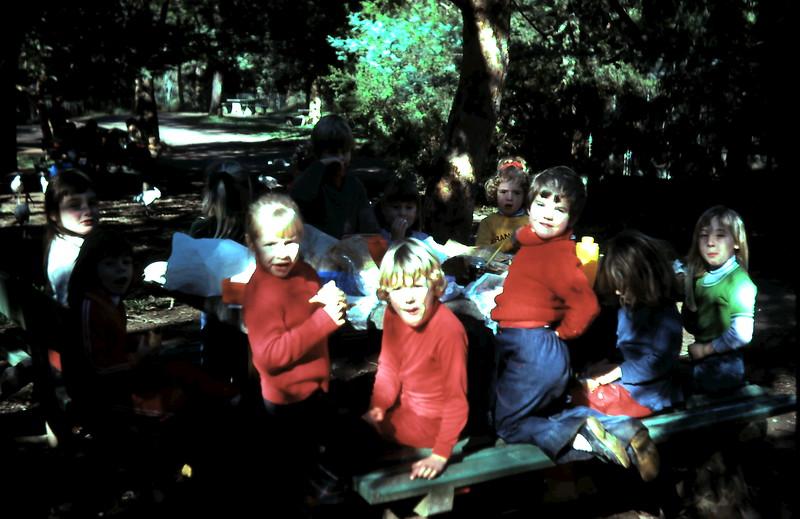 1976-7 (8) @ Healesville with School.JPG