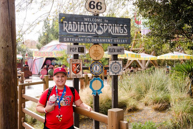 2016-11-19 Disneyland 016.jpg