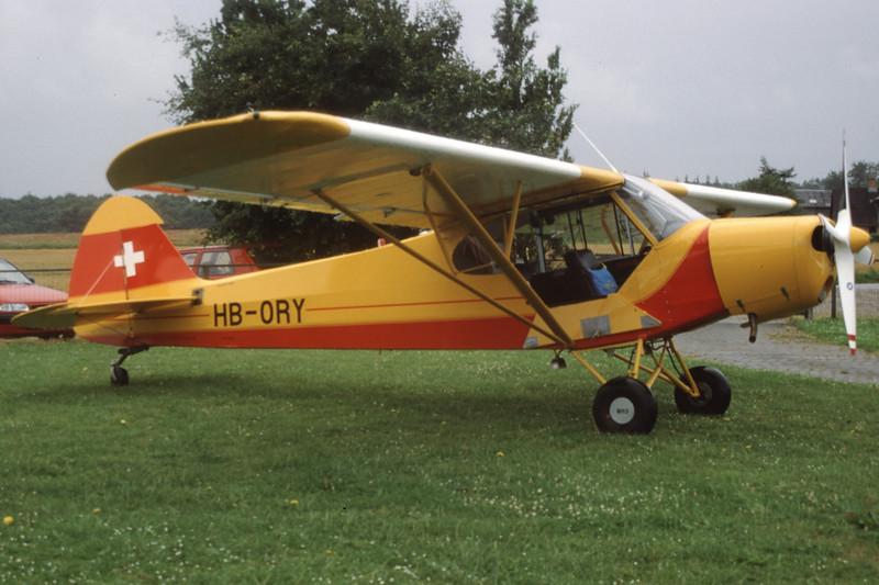 HB-ORY-PiperPA-18-180MSuperCub-EKHV-2001-08-03-KZ-11-KBVPCollection.jpg